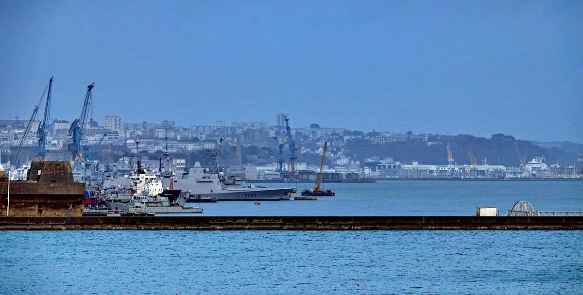 [Les ports militaires de métropole] Port de BREST - TOME 3 - Page 16 Brest126