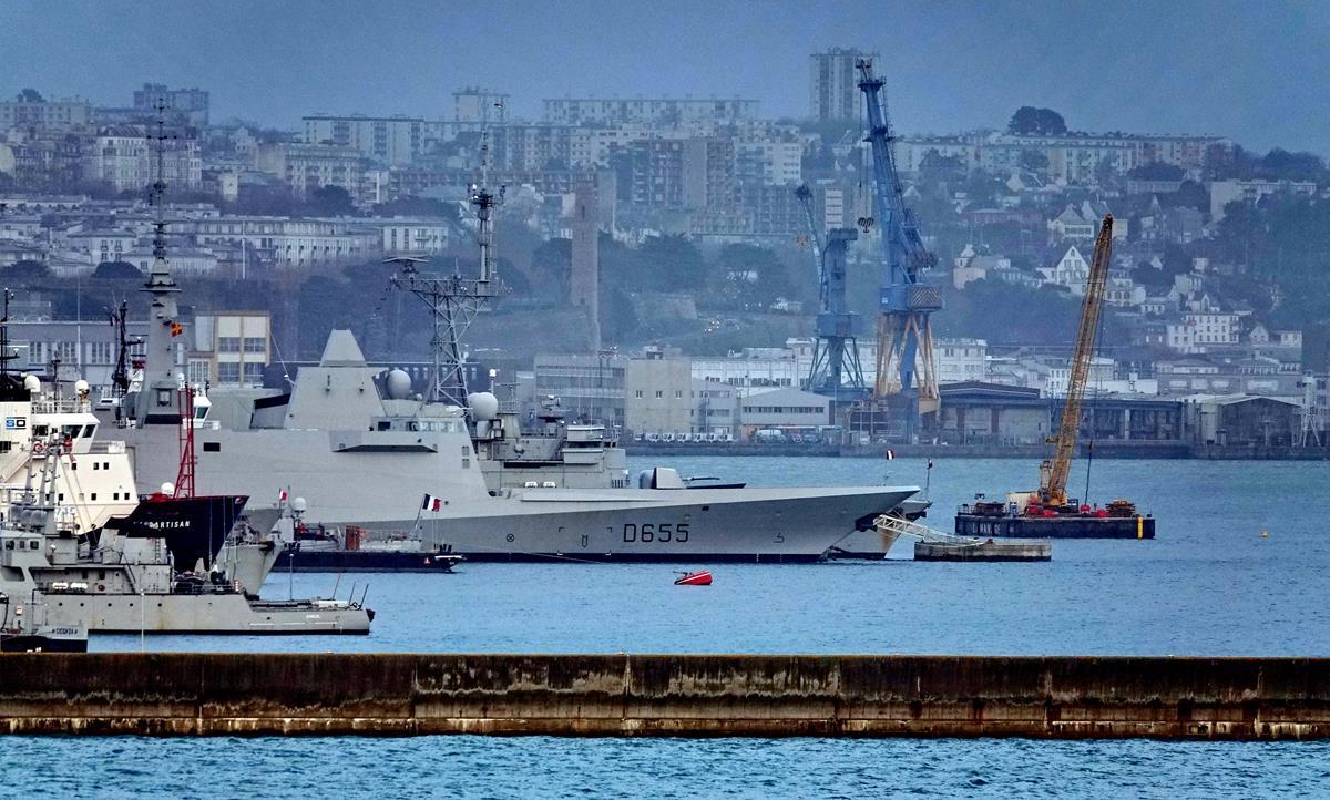 [Les ports militaires de métropole] Port de BREST - TOME 3 - Page 16 Brest127