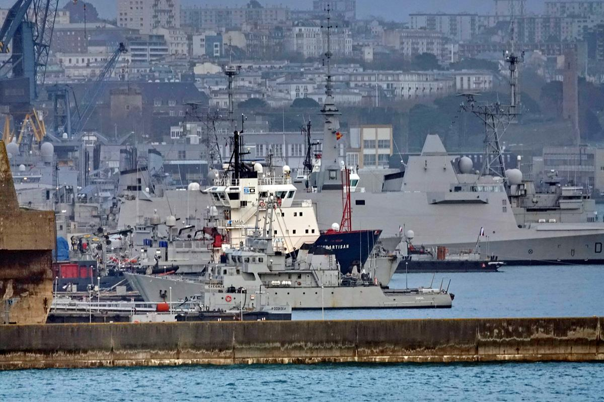 [Les ports militaires de métropole] Port de BREST - TOME 3 - Page 16 Brest129
