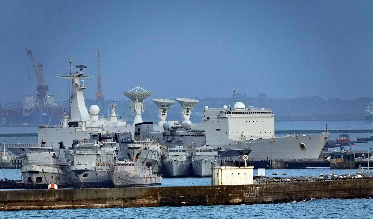 [Les ports militaires de métropole] Port de BREST - TOME 3 - Page 16 Brest131
