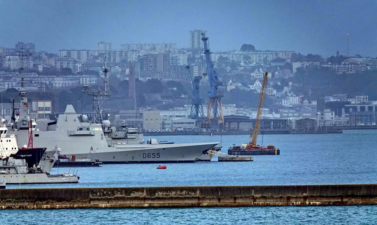[Les ports militaires de métropole] Port de BREST - TOME 3 - Page 16 Brest132