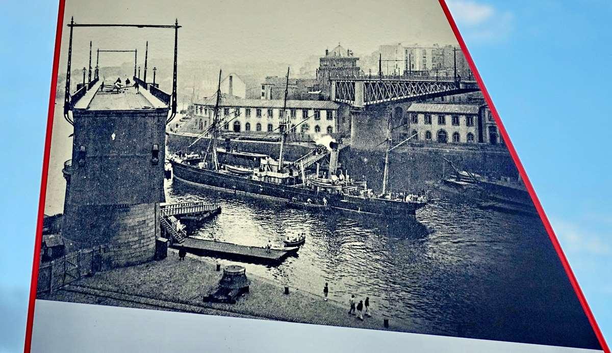 [Vie des ports] BREST Ports et rade - Volume 001 - Page 4 Brest157