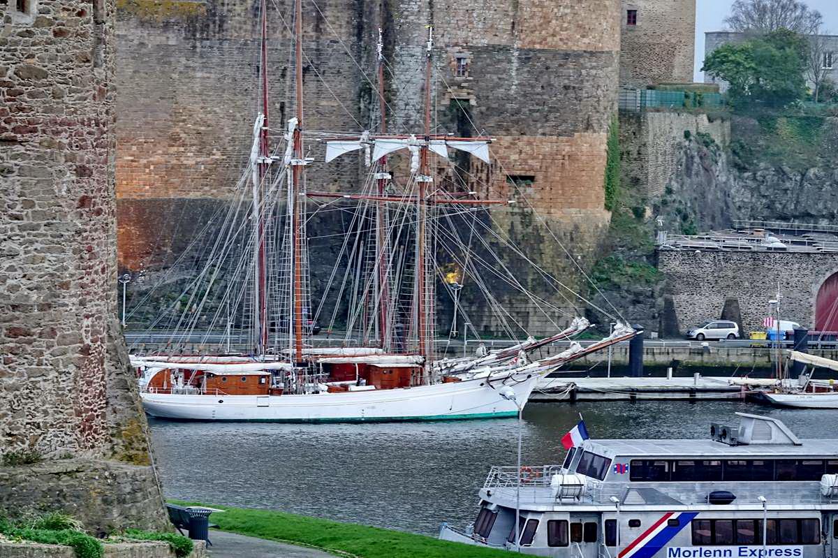 [Vie des ports] BREST Ports et rade - Volume 001 - Page 5 Brest174