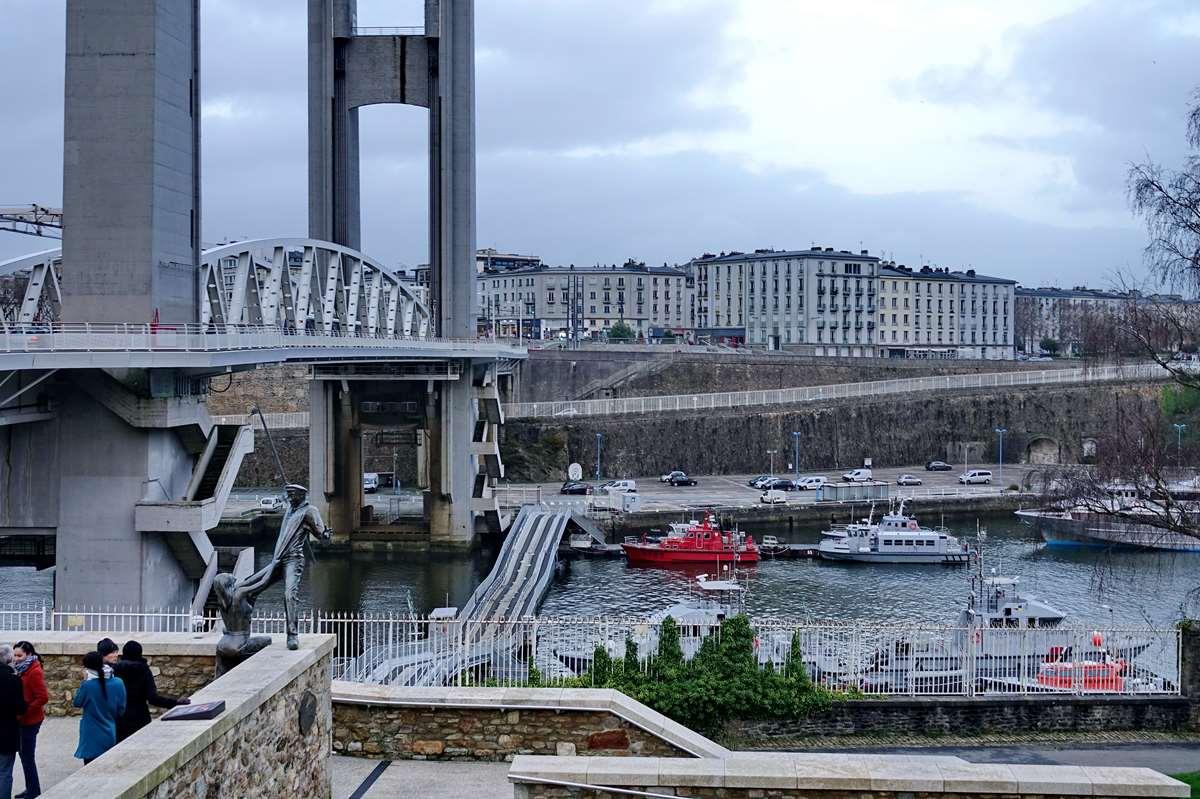 [Vie des ports] BREST Ports et rade - Volume 001 - Page 5 Brest191