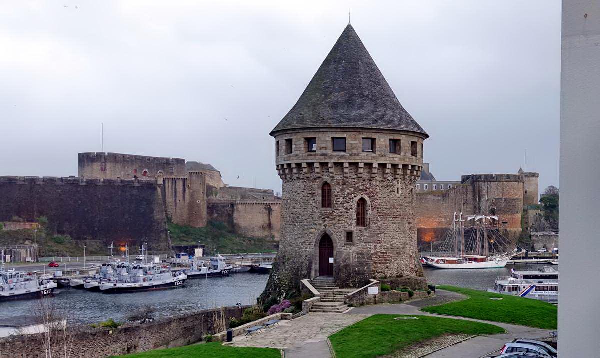 [Vie des ports] BREST Ports et rade - Volume 001 - Page 5 Brest199