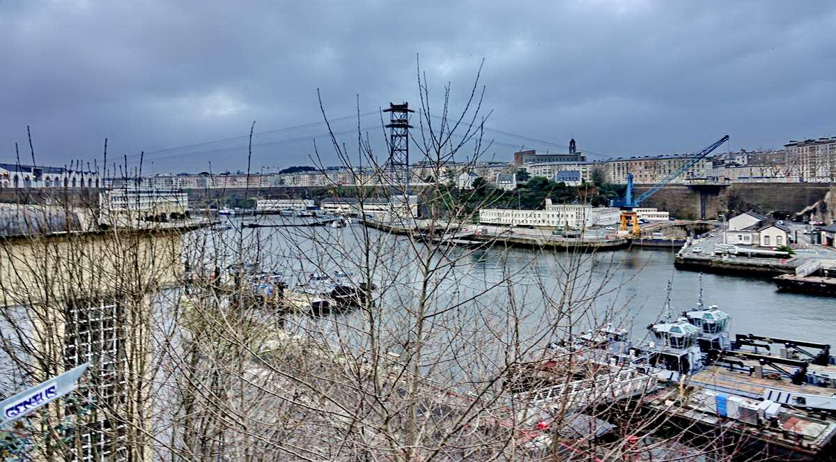 [Vie des ports] BREST Ports et rade - Volume 001 - Page 6 Brest227