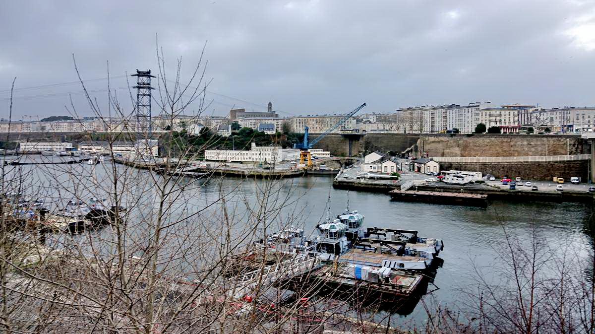 [Vie des ports] BREST Ports et rade - Volume 001 - Page 6 Brest229