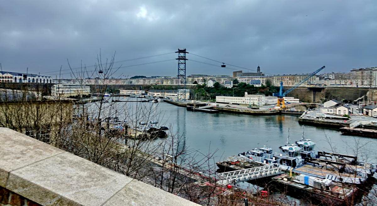 [Vie des ports] BREST Ports et rade - Volume 001 - Page 6 Brest239