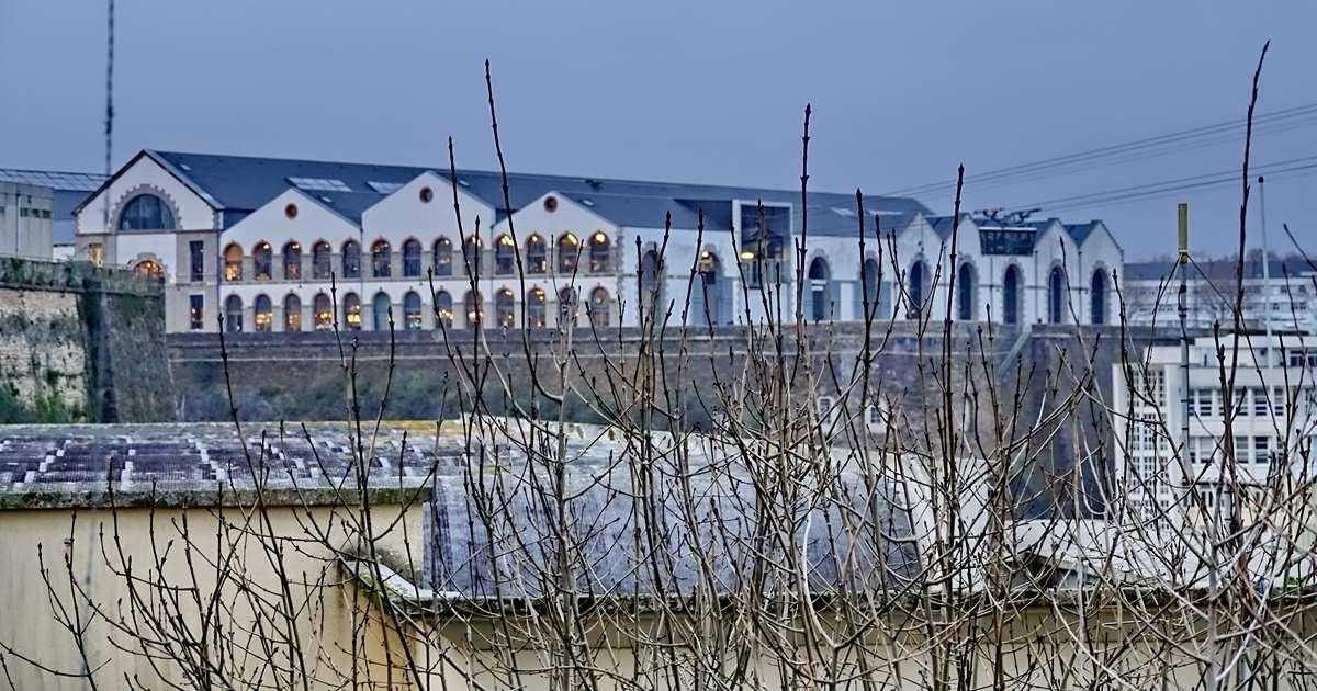[Vie des ports] BREST Ports et rade - Volume 001 - Page 6 Brest240