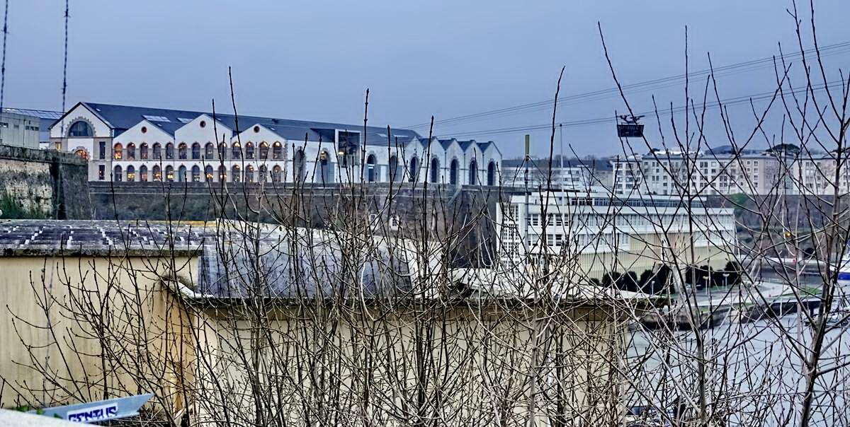 [Vie des ports] BREST Ports et rade - Volume 001 - Page 6 Brest241