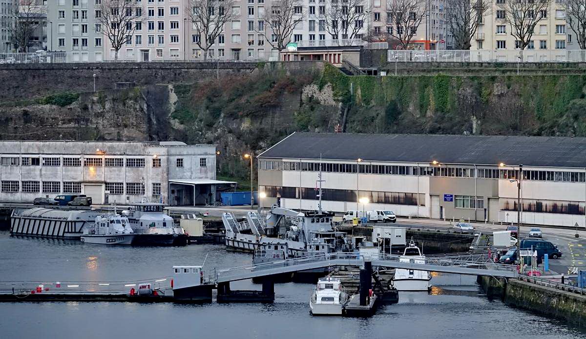 [Vie des ports] BREST Ports et rade - Volume 001 - Page 6 Brest244