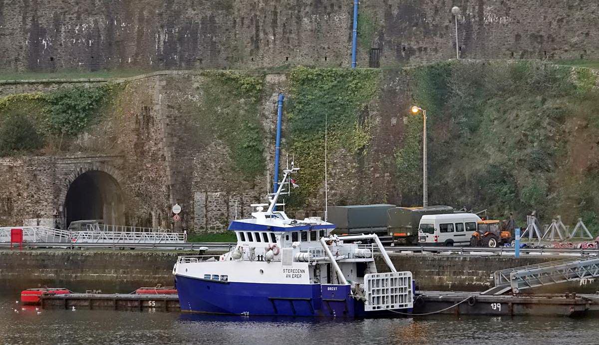 [Vie des ports] BREST Ports et rade - Volume 001 - Page 6 Brest246