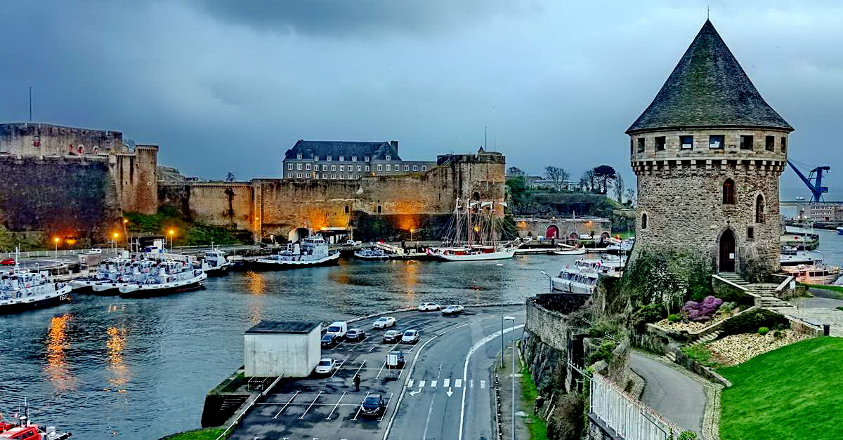 [Vie des ports] BREST Ports et rade - Volume 001 - Page 6 Brest255