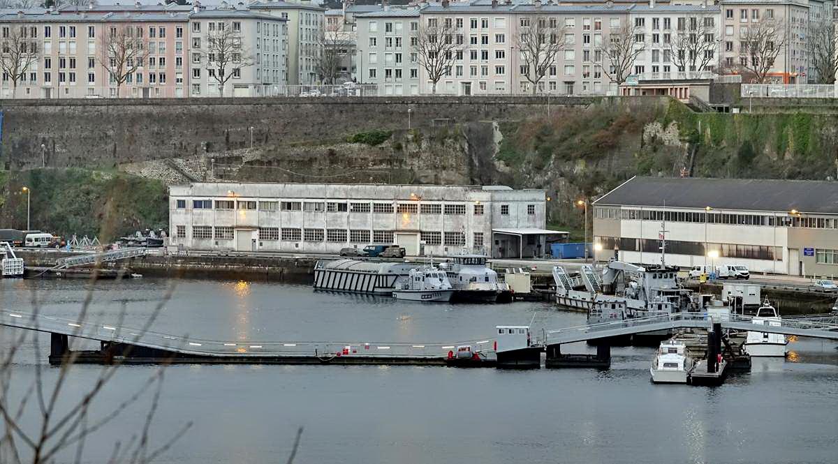 [Vie des ports] BREST Ports et rade - Volume 001 - Page 6 Brest256