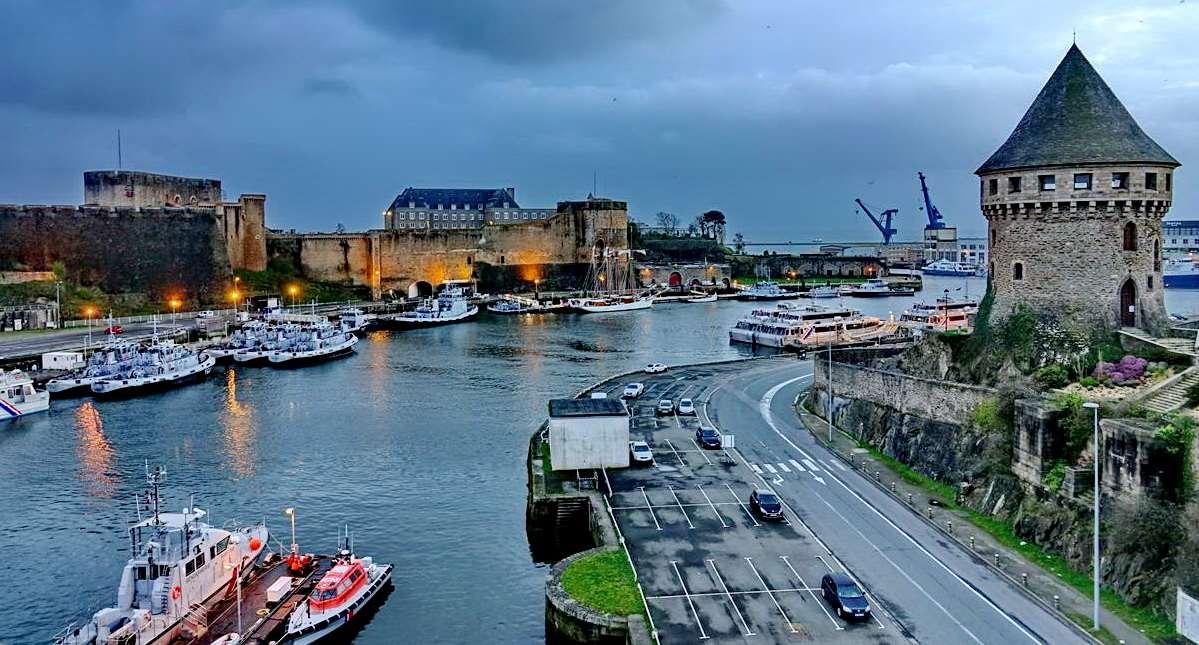 [Vie des ports] BREST Ports et rade - Volume 001 - Page 6 Brest264