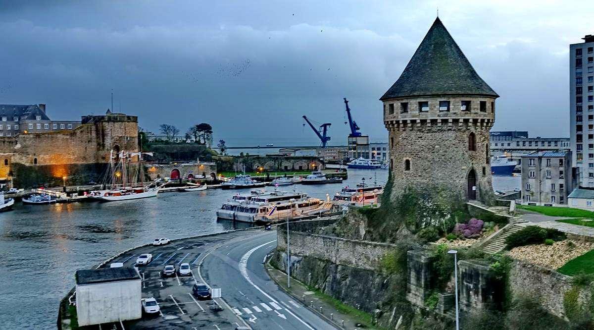 [Vie des ports] BREST Ports et rade - Volume 001 - Page 6 Brest266