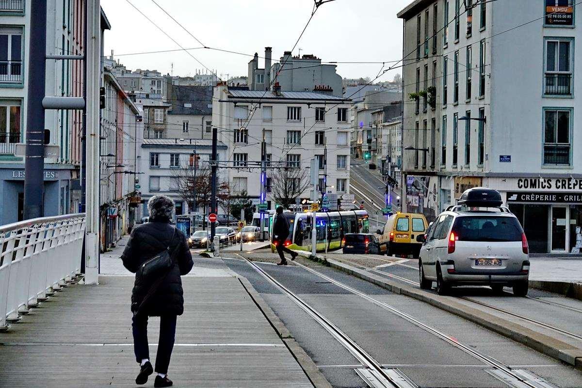 [Vie des ports] BREST Ports et rade - Volume 001 - Page 6 Brest269