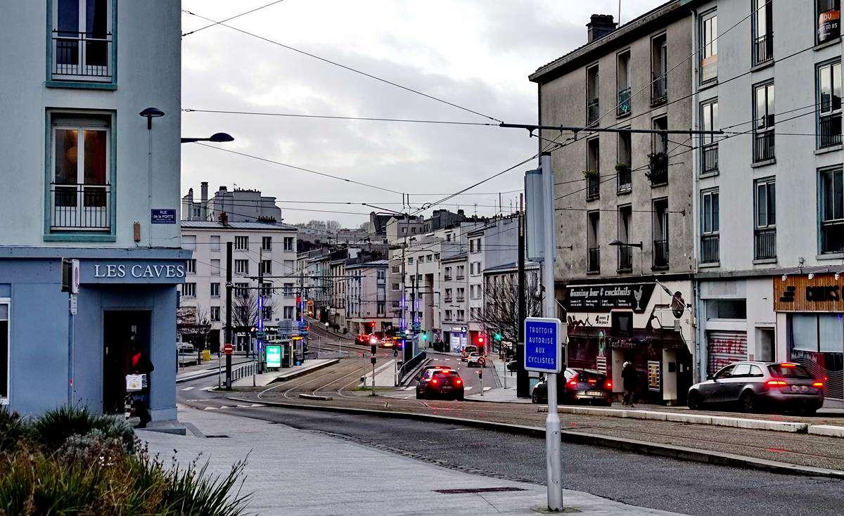 [Vie des ports] BREST Ports et rade - Volume 001 - Page 6 Brest274