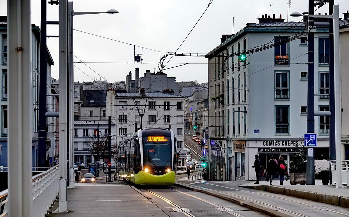 [Ports] LE VIEUX BREST - Page 24 Brest_18