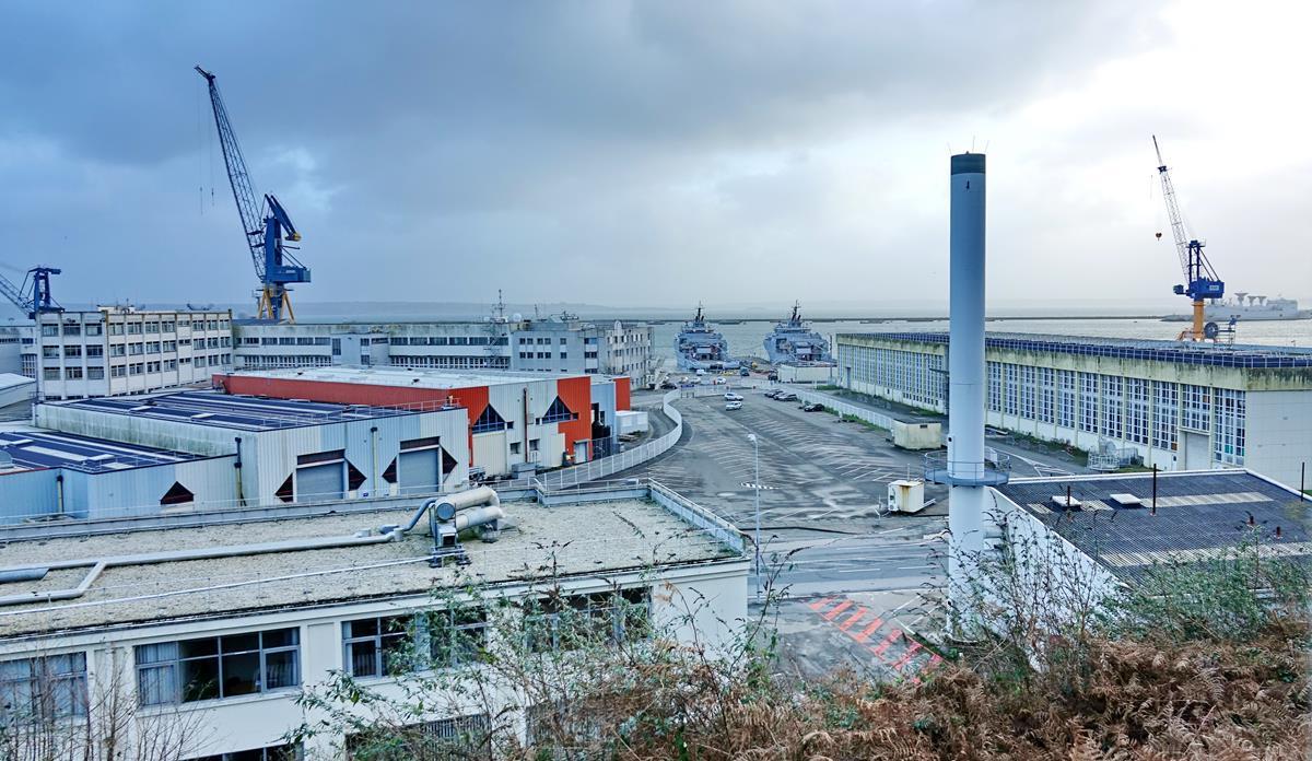 [Les ports militaires de métropole] Port de BREST - TOME 3 - Page 15 Brest_31