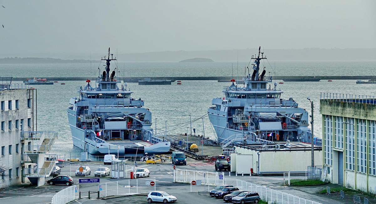 [Les ports militaires de métropole] Port de BREST - TOME 3 - Page 15 Brest_33