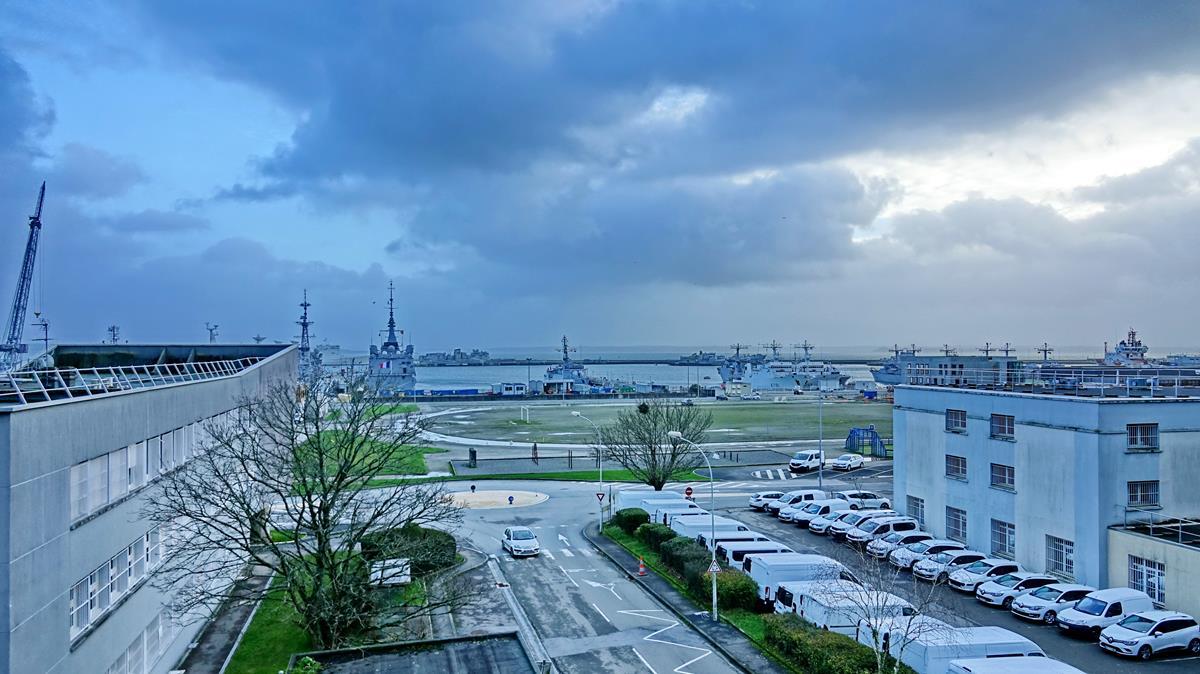 [Les ports militaires de métropole] Port de BREST - TOME 3 - Page 15 Brest_34