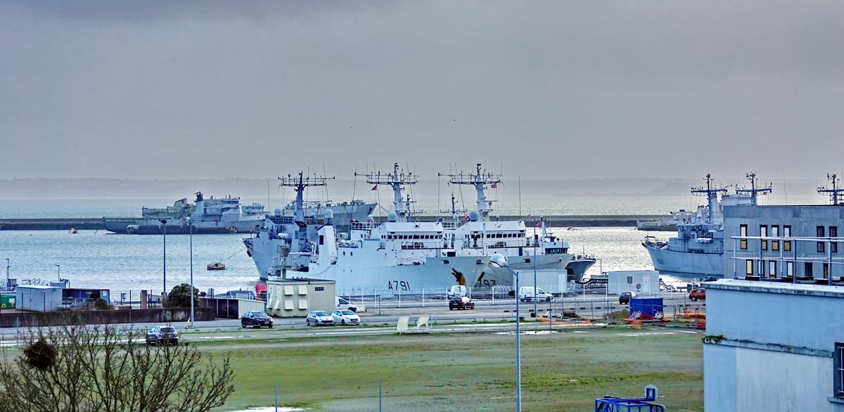 [Les ports militaires de métropole] Port de BREST - TOME 3 - Page 15 Brest_38