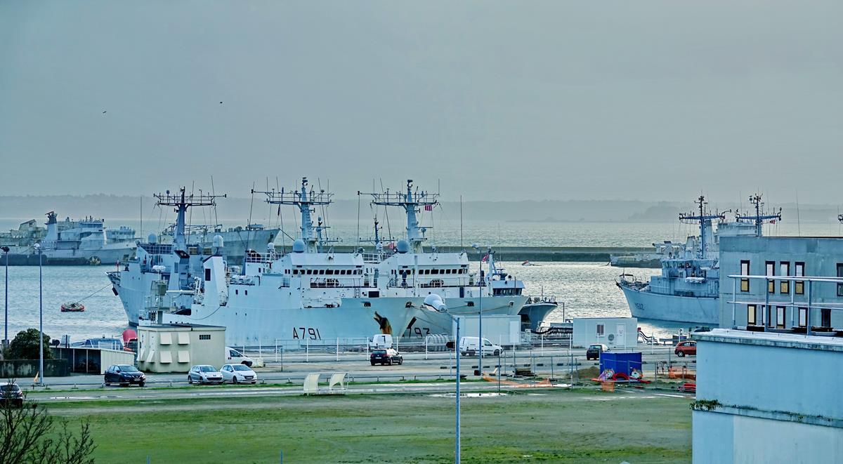 [Les ports militaires de métropole] Port de BREST - TOME 3 - Page 15 Brest_39