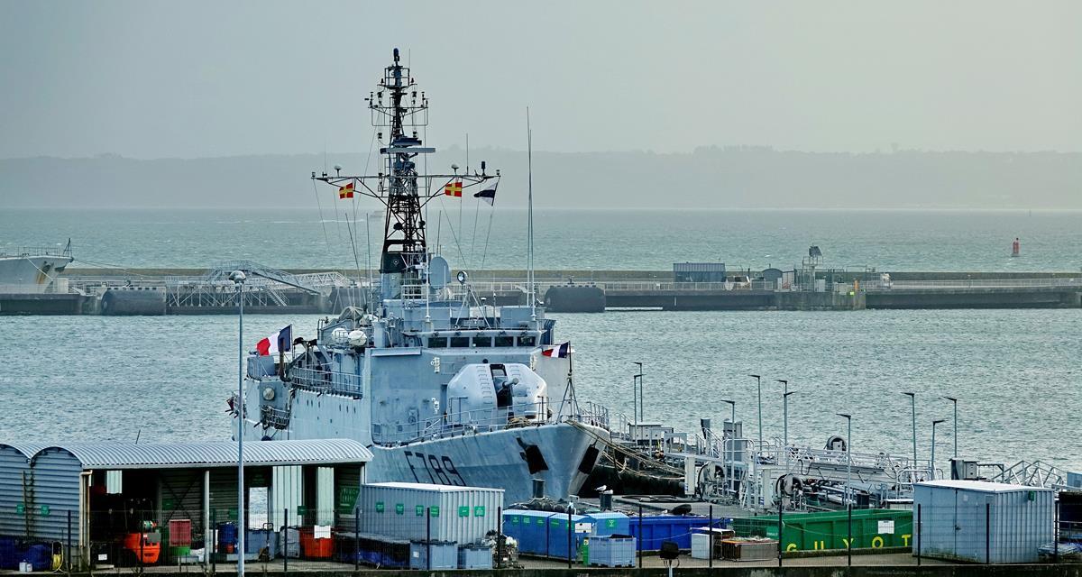 [Les ports militaires de métropole] Port de BREST - TOME 3 - Page 15 Brest_48