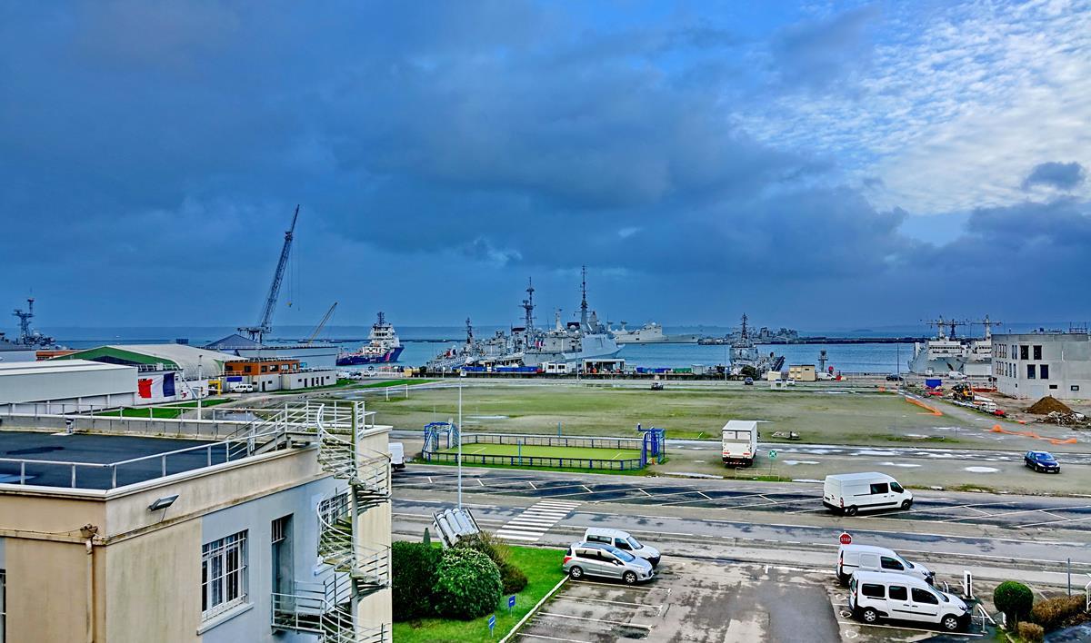 [Les ports militaires de métropole] Port de BREST - TOME 3 - Page 15 Brest_51