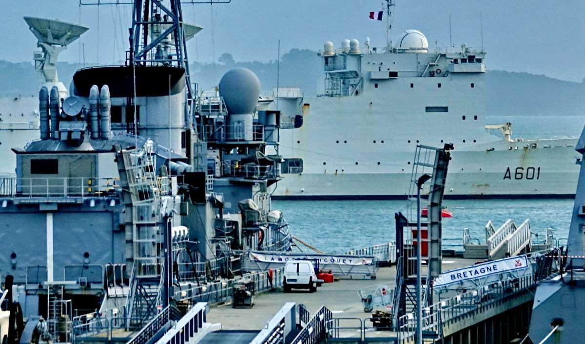 [Les ports militaires de métropole] Port de BREST - TOME 3 - Page 15 Brest_56