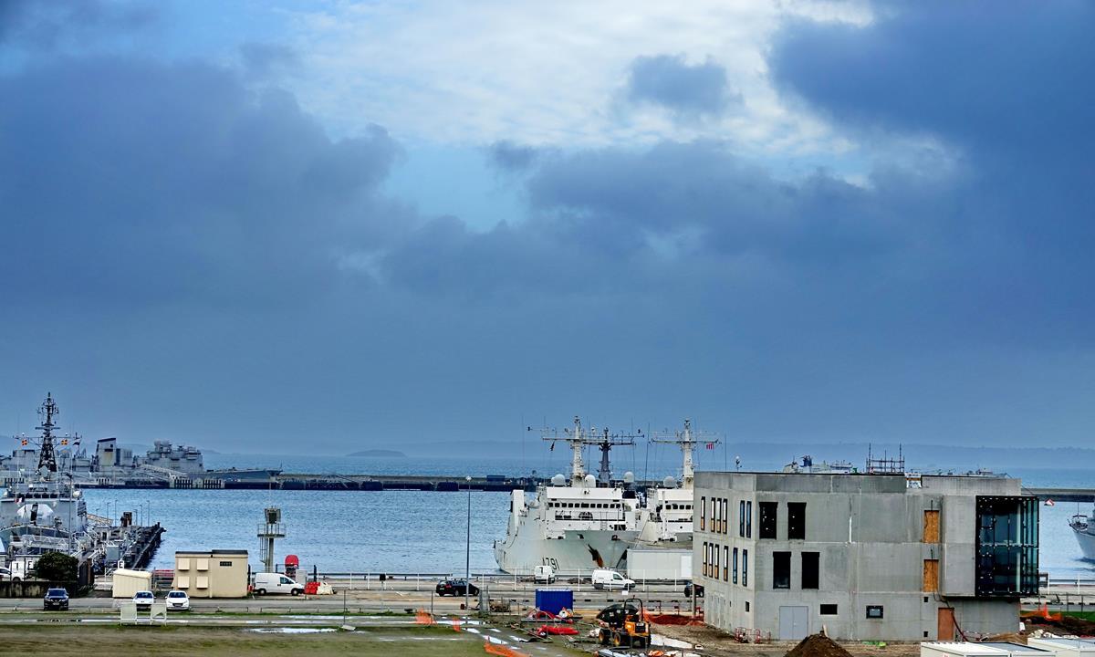 [Les ports militaires de métropole] Port de BREST - TOME 3 - Page 16 Brest_63