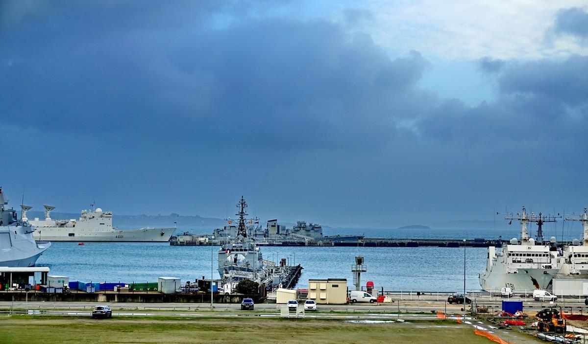 [Les ports militaires de métropole] Port de BREST - TOME 3 - Page 16 Brest_65