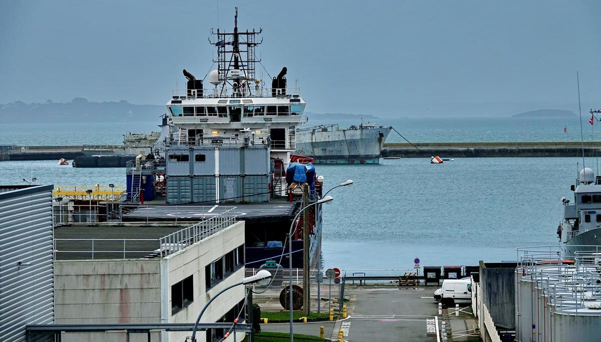 [Les ports militaires de métropole] Port de BREST - TOME 3 - Page 16 Brest_69