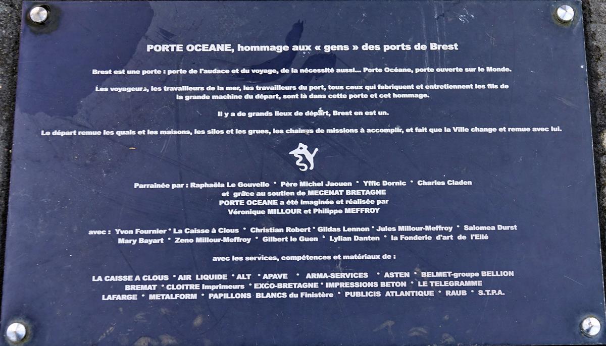 [Les ports militaires de métropole] Port de BREST - TOME 3 - Page 16 Brest_73