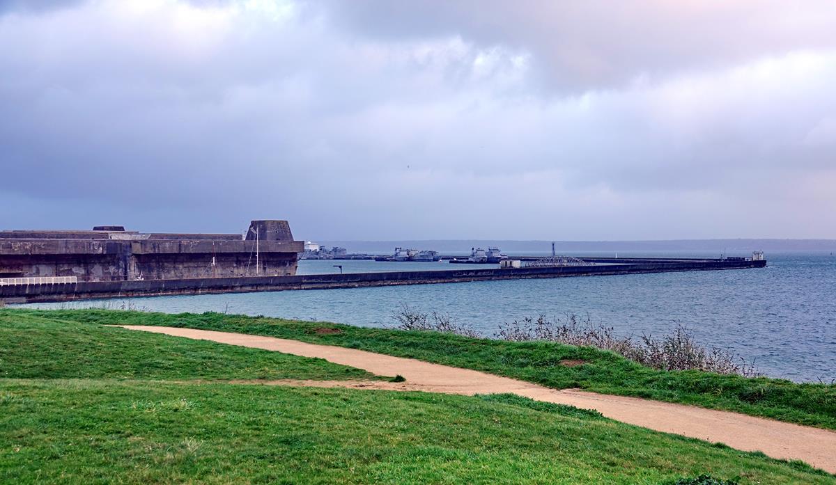 [Les ports militaires de métropole] Port de BREST - TOME 3 - Page 16 Brest_81