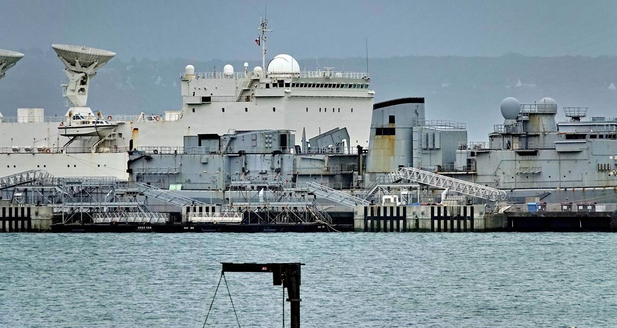[Les ports militaires de métropole] Port de BREST - TOME 3 - Page 16 Brest_95