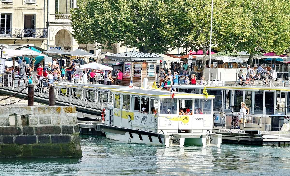 [Vie des Ports ] Port de La Rochelle  - Page 2 Dsc02759