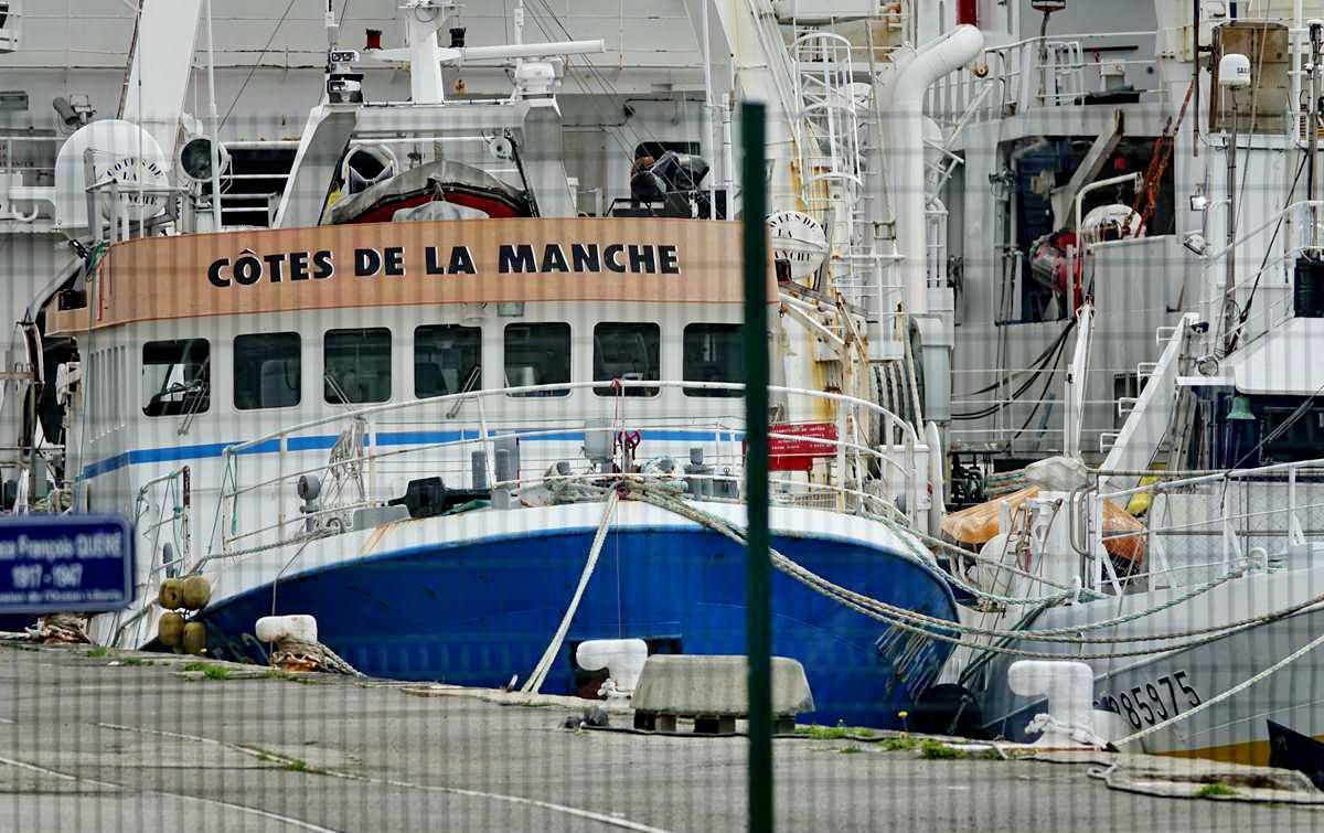 [Vie des ports] BREST Ports et rade - Volume 001 - Page 11 Dsc02883
