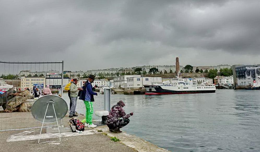 [Vie des ports] BREST Ports et rade - Volume 001 - Page 11 Dsc02924