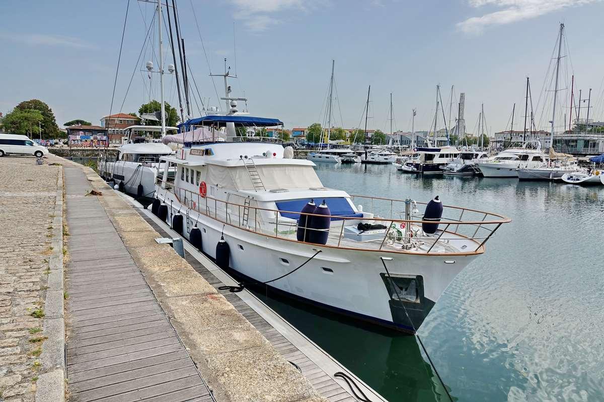 [Vie des Ports ] Port de La Rochelle  - Page 3 Dsc04401