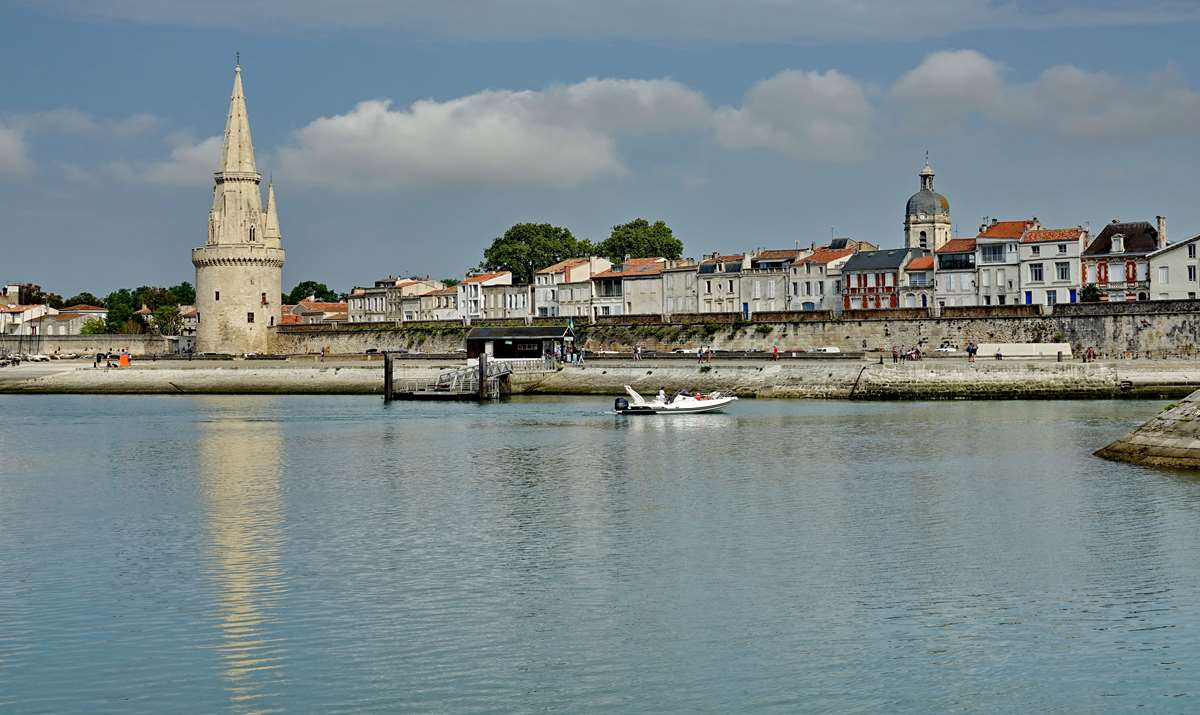 [Vie des Ports ] Port de La Rochelle  - Page 3 Dsc04404
