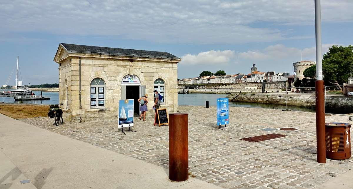[Vie des Ports ] Port de La Rochelle  - Page 3 Dsc04406
