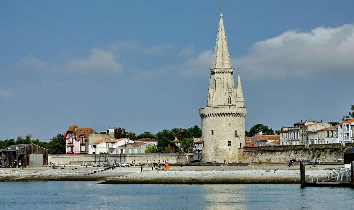 [Vie des Ports ] Port de La Rochelle  - Page 3 Dsc04408