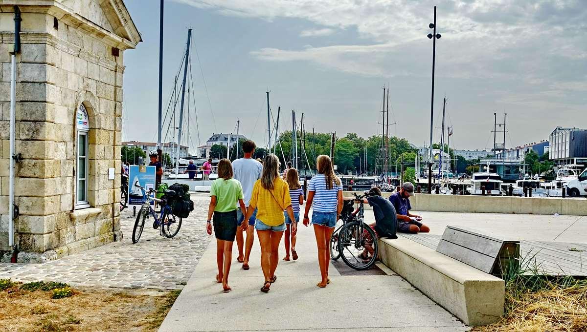 [Vie des Ports ] Port de La Rochelle  - Page 3 Dsc04409
