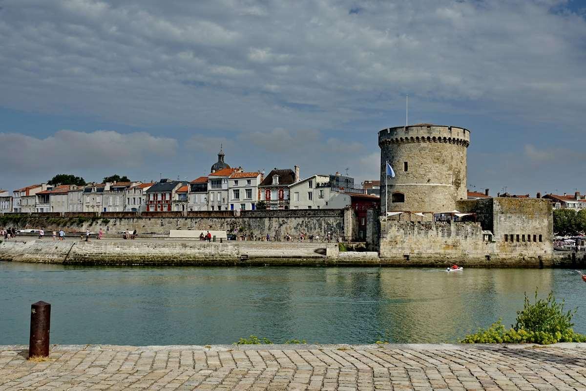 [Vie des Ports ] Port de La Rochelle  - Page 3 Dsc04505