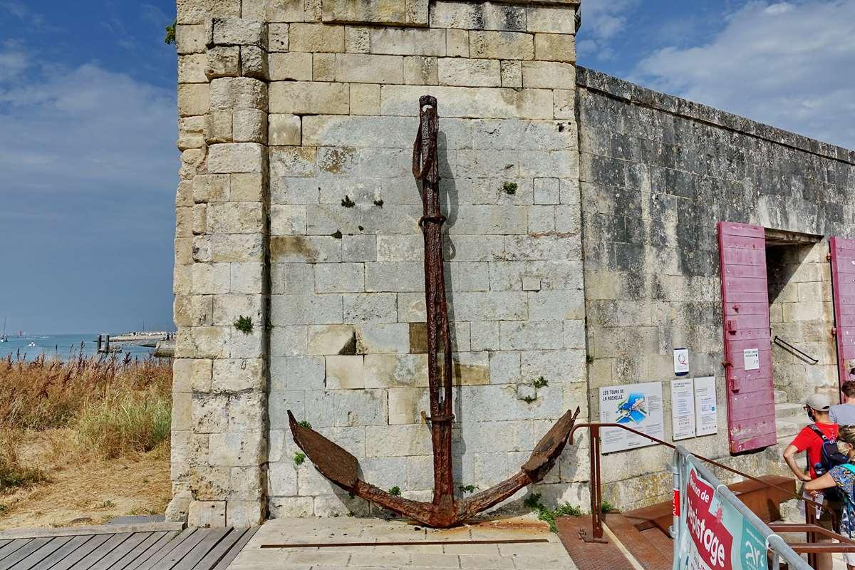 [Vie des Ports ] Port de La Rochelle  - Page 3 Dsc04594