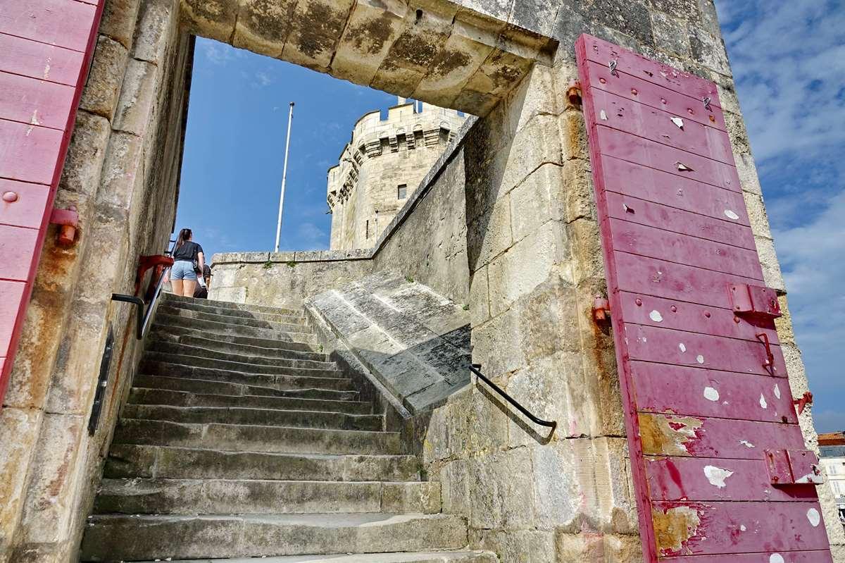 [Vie des Ports ] Port de La Rochelle  - Page 3 Dsc04599