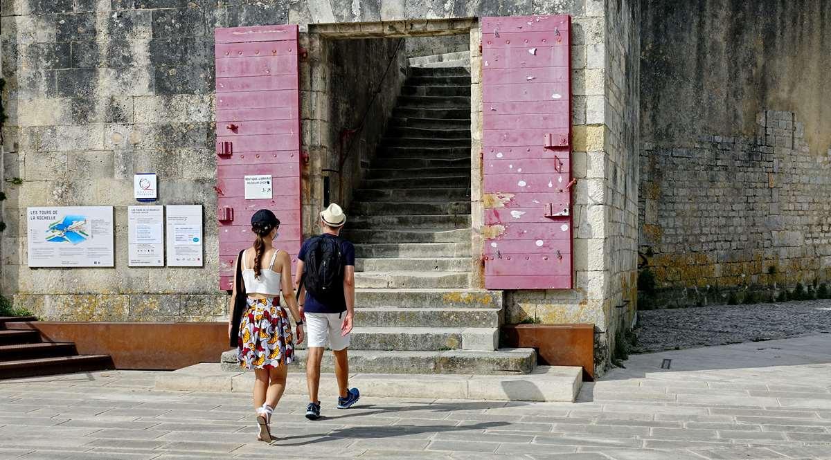 [Vie des Ports ] Port de La Rochelle  - Page 3 Dsc04609
