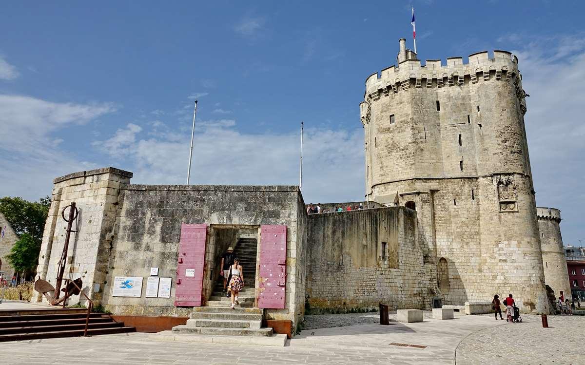 [Vie des Ports ] Port de La Rochelle  - Page 3 Dsc04673